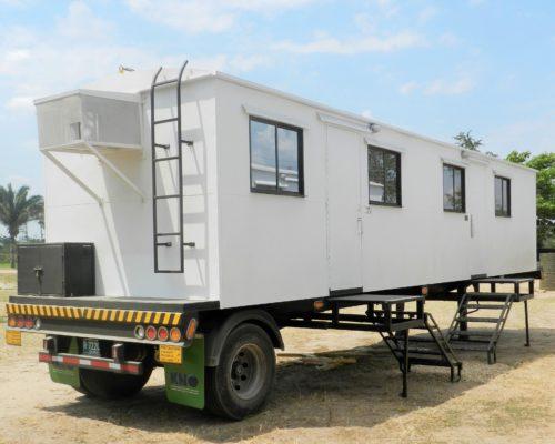 Caseta campamento sobre trailer KNO